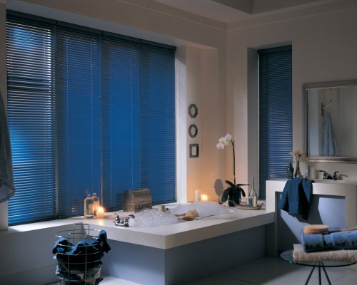 Celebrity® aluminum blinds with Cordlock