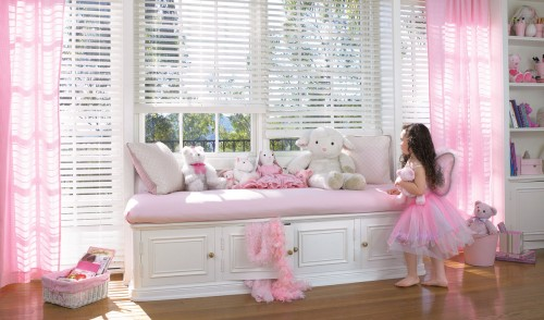 EverWood® Distinctions™ blinds with LiteRise®
